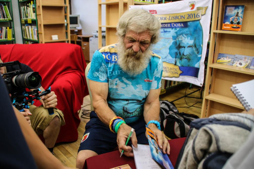Na zdjęciu: Spotkanie z Aleksandrem Dobą, podróżnikiem, kajakarzem